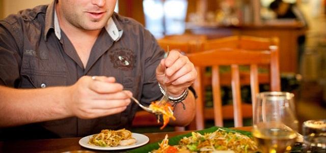 Για καλύτερη πέψη, απώλεια βάρους, λιγότερο στρες… τρώτε αργά και μασάτε αρκετά!