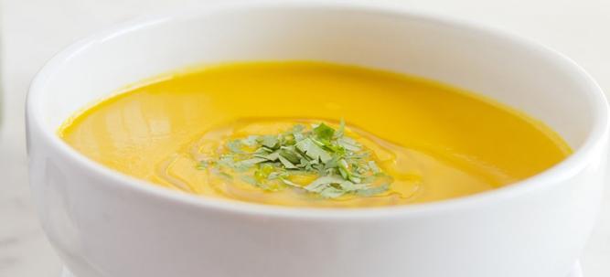Σούπα βελουτέ με καρότο καικόλιανδρο