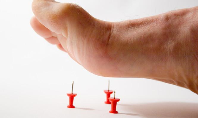 βελόνες στα πόδια